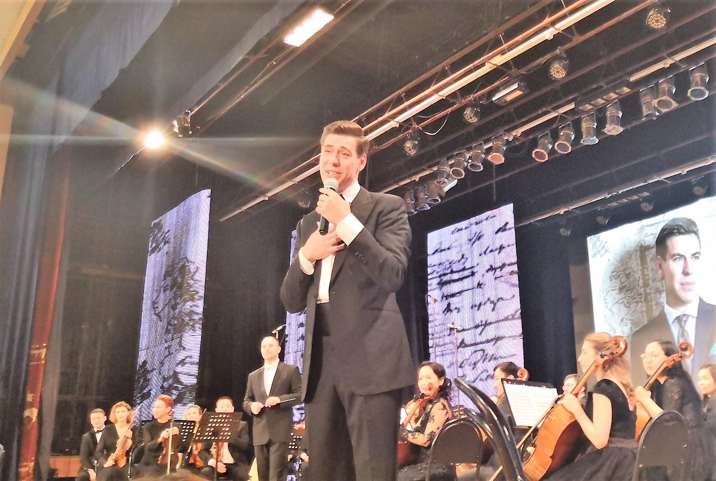 Дмитрий Дюжев выступил в Якутске с моноспектаклем
