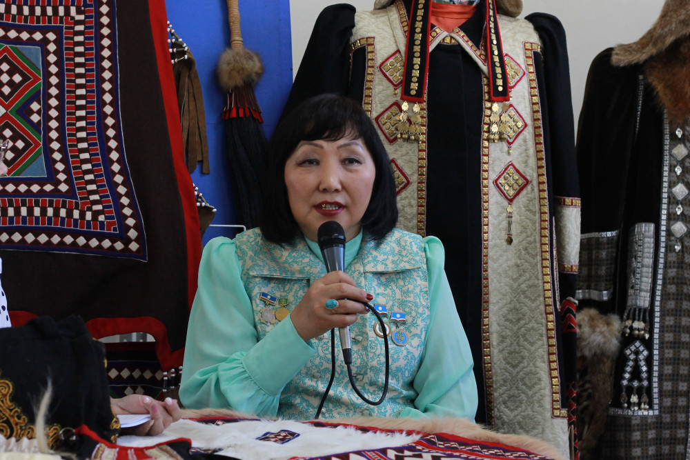 Автор панно «Собор Василия Блаженного» Вера Варфоломеева открыла персональную выставку в Якутске
