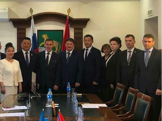 Хангаласский улус и Владивосток будут сотрудничать