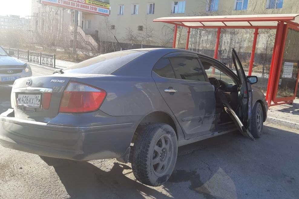 В Якутске пьяный водитель наехал на столб