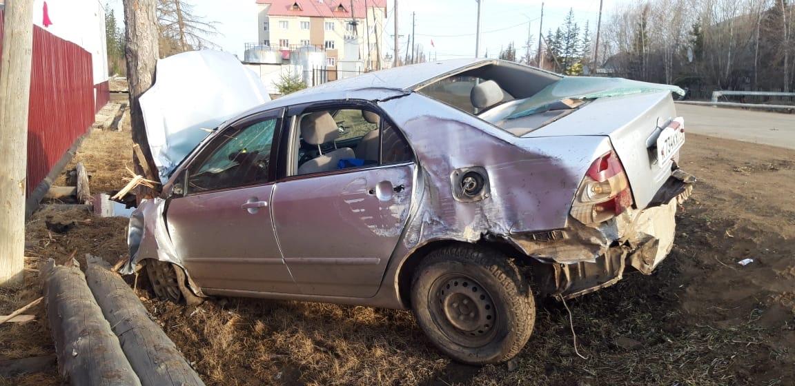 В Якутии пьяная автомобилистка наехала на пешеходов. Погибла девушка, другая находится в коме