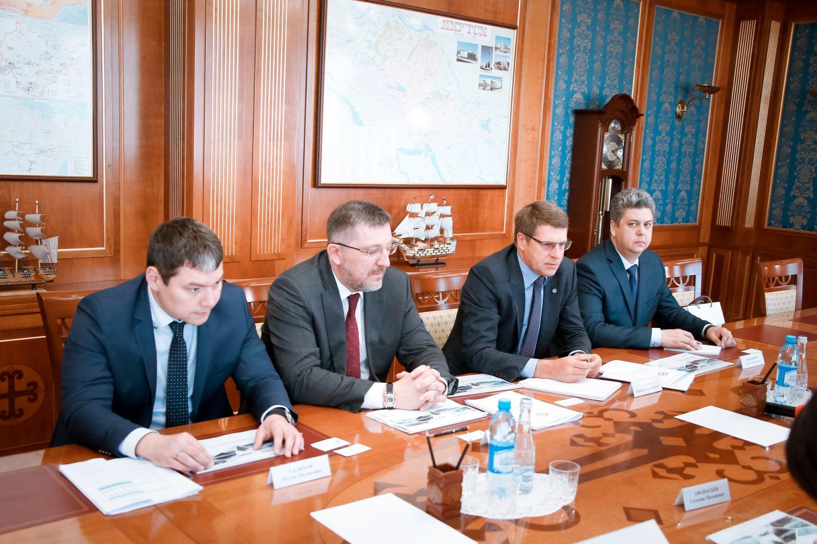 Состоялась встреча главы Якутии с делегацией Иркутской нефтяной компании