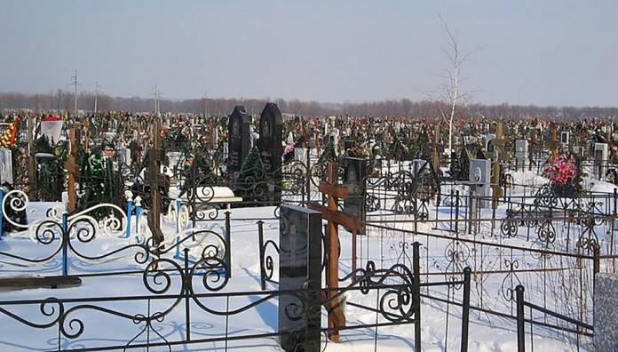 В Якутске горело городское кладбище