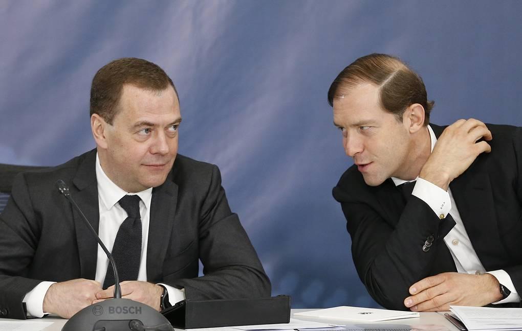 Медведев распорядился выделить 10 млрд рублей на поддержку льготных покупок автомобилей