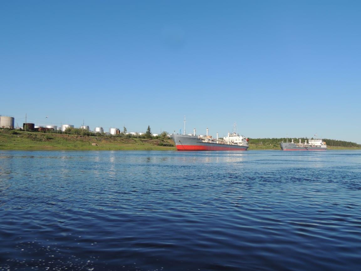 Завершен завоз ГСМ по реке Вилюй