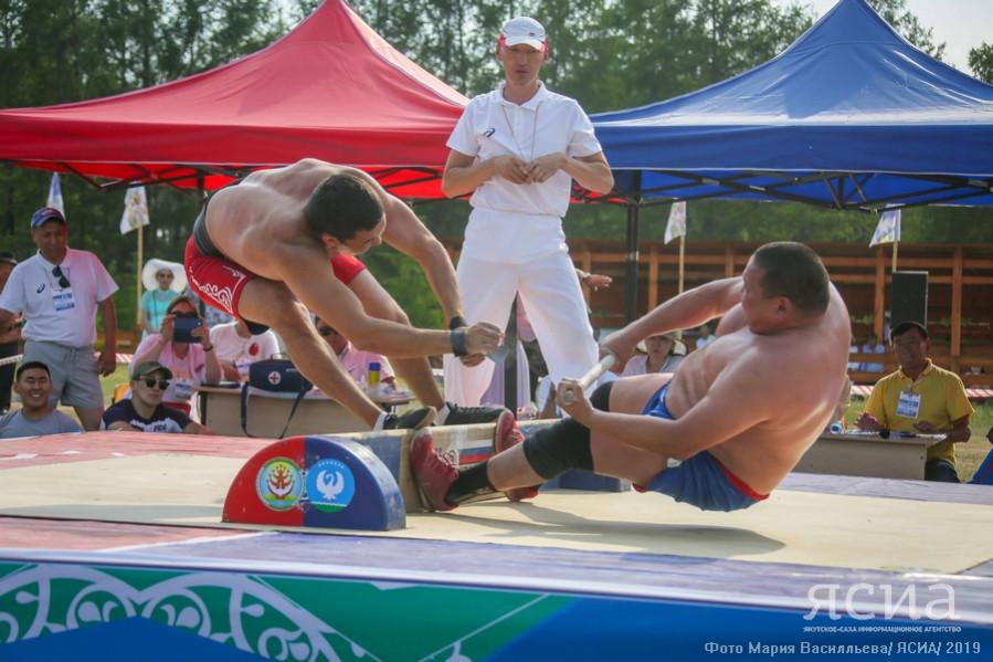 На Ысыахе Олонхо выявили сильнейших в национальных видах спорта