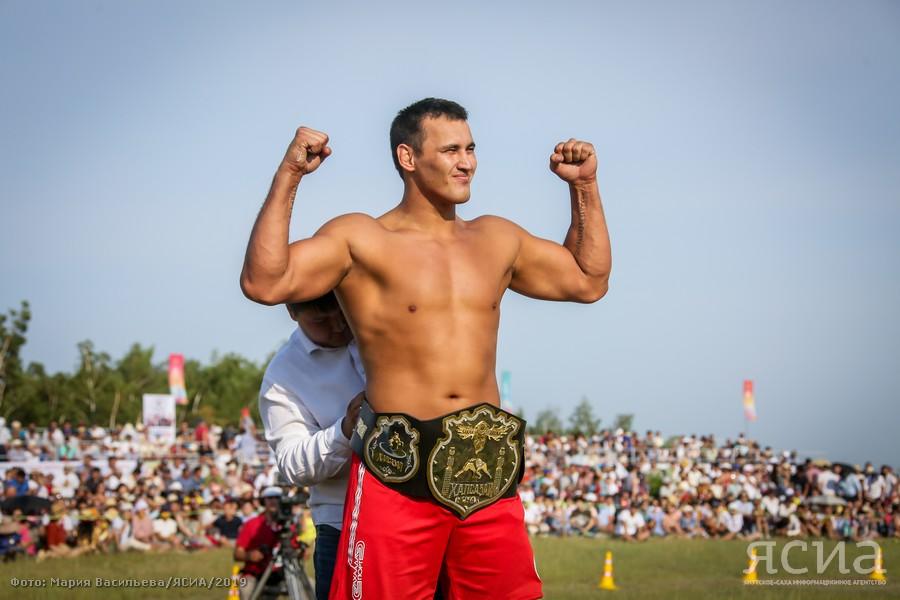 Айал Лазарев стал абсолютным чемпионом Ысыаха Туймаады по хапсагаю