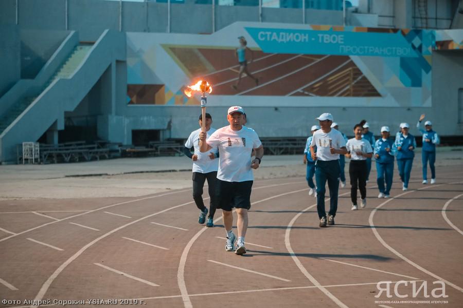 Во время якутского полумарафона состоялась передача огня VII Спортивных игр народов Якутии