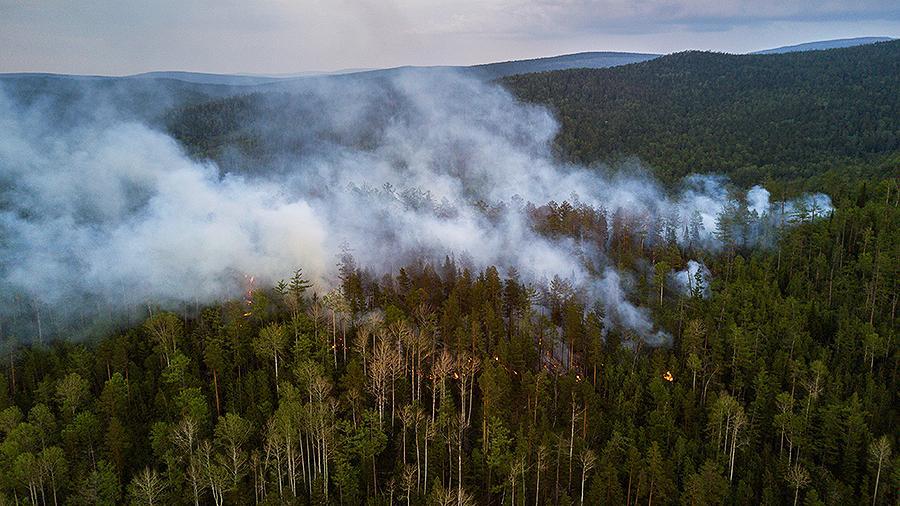 В Якутии действуют четыре лесных пожара