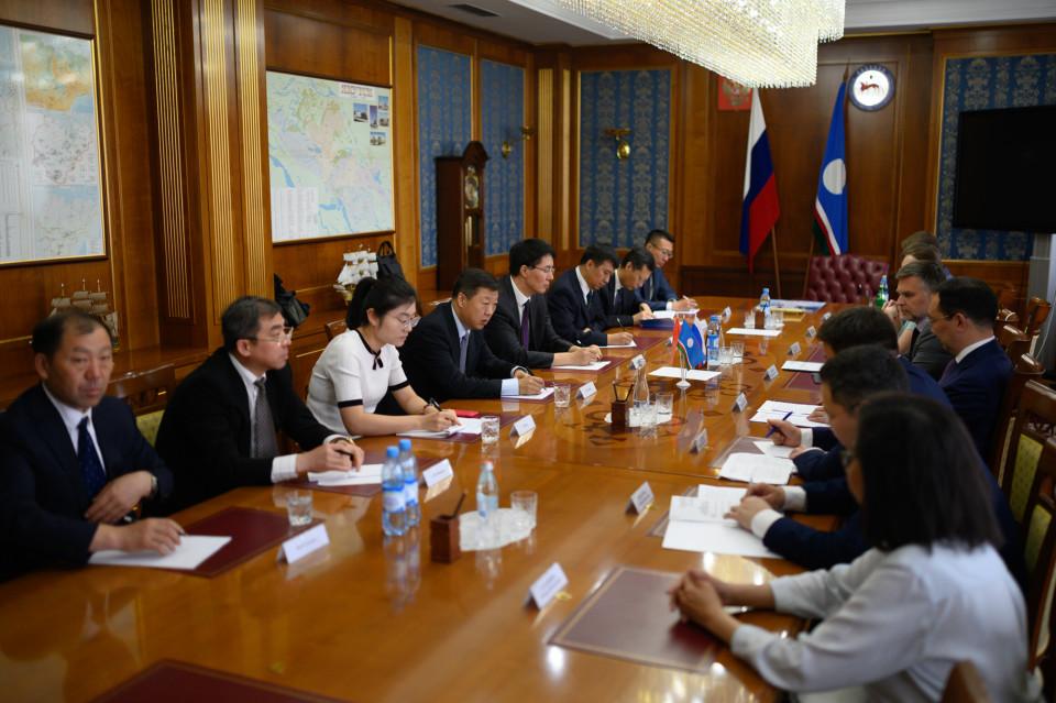 Глава Якутии принял делегацию из китайской провинции Хэйлунцзян