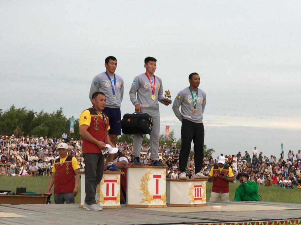 На Играх Дыгына установлен новый рекорд по якутской вертушке «Тутум эргиир»