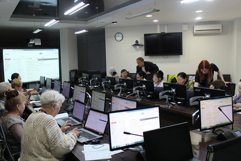 Студенты СВФУ повысят компьютерную грамотность пенсионеров