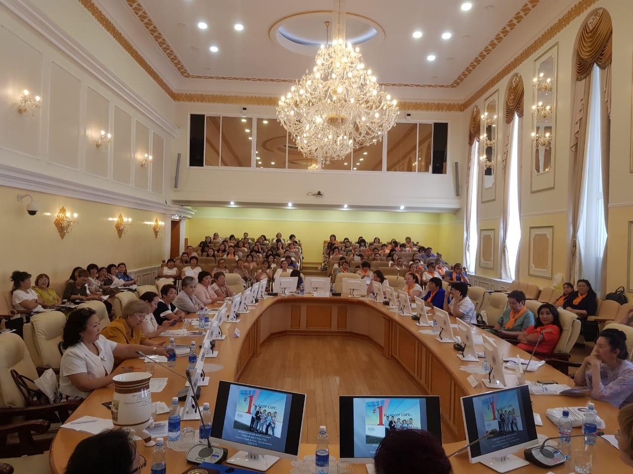 Онкологи России, Казахстана Японии обсудилитенденции развития онкологической службы