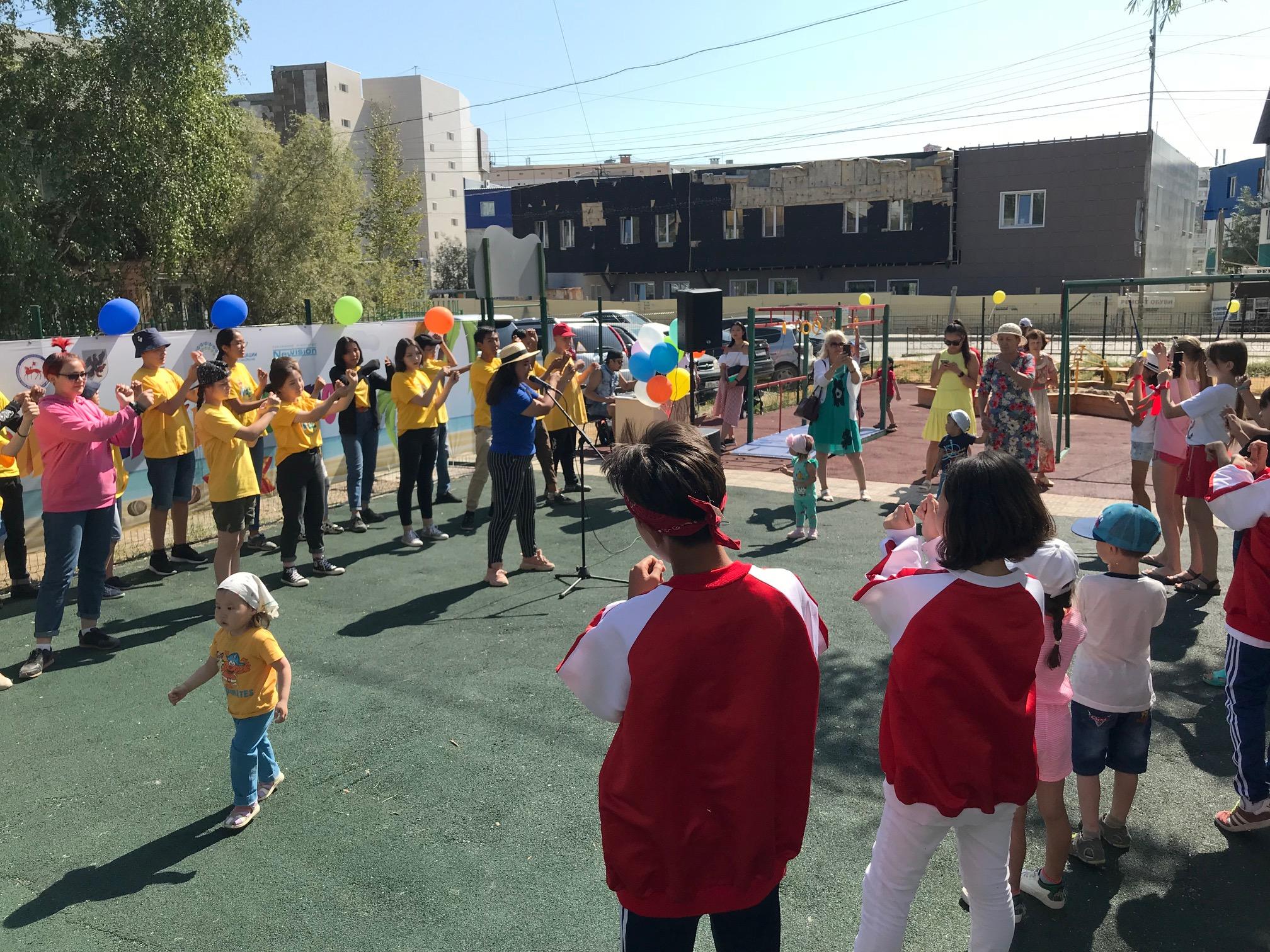 В Якутске открылась адаптивная детская площадка «Солнечный остров»