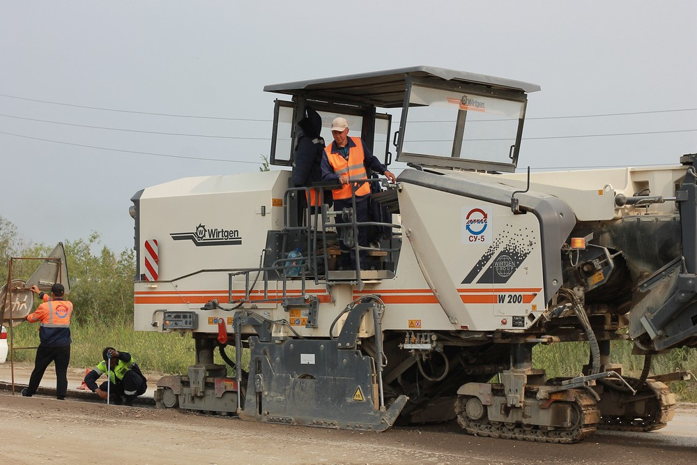 Алексей Колодезников проверил ход ремонтных работ на автодорогах Якутска