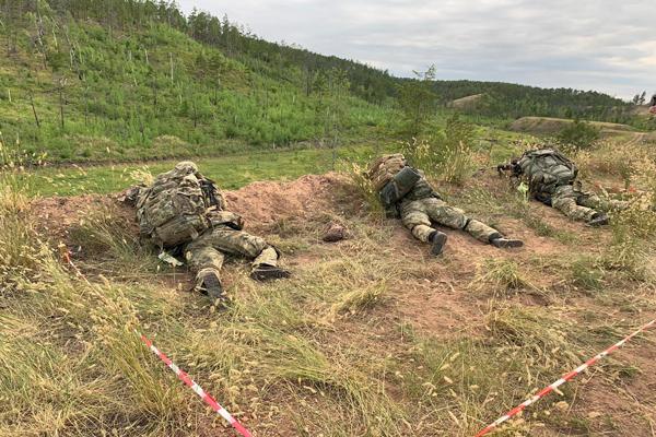В Якутске бойцы спецподразделений состязались в боевой стрельбе по специальным мишеням
