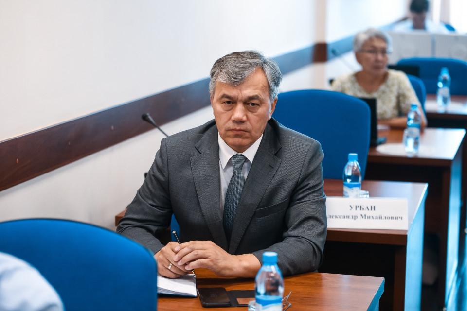 Айсен Николаев представил нового руководителя АГиП Афанасия Владимирова