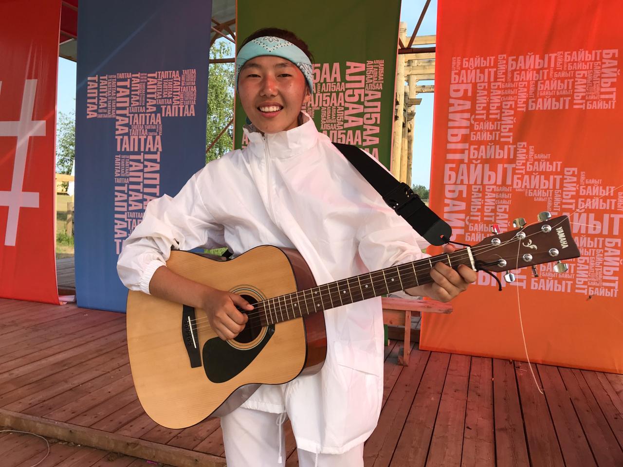 Студентка АГИКИ написала и исполнила гимн фестиваля молодёжи ТАБЫС