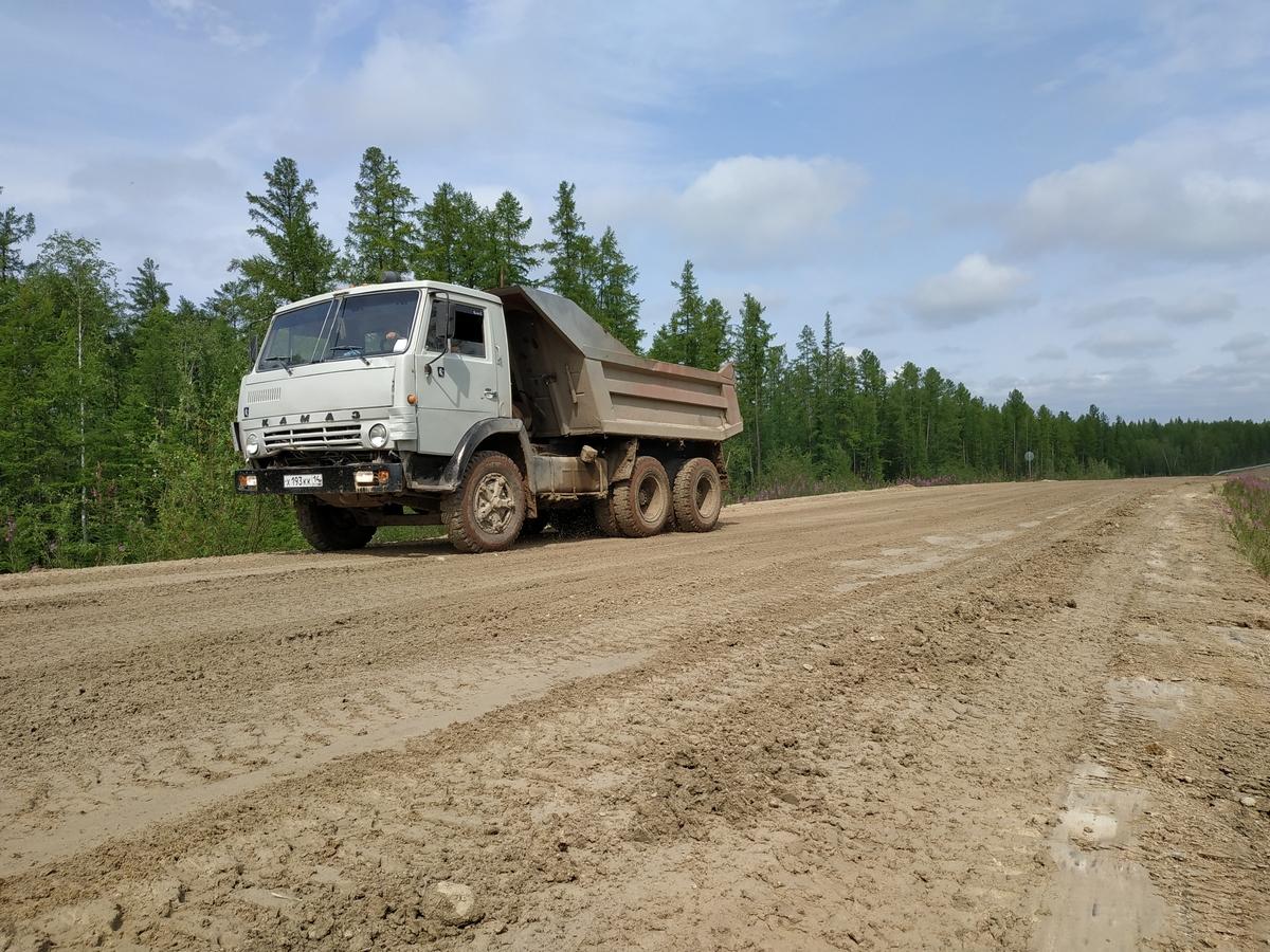 Дорожники обязались ликвидировать отставание в строительстве участков автодороги «Кобяй»