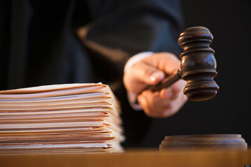 Суд продлил арест заммэра Якутска, обвиняемого в получении 114 млн рублей взятки