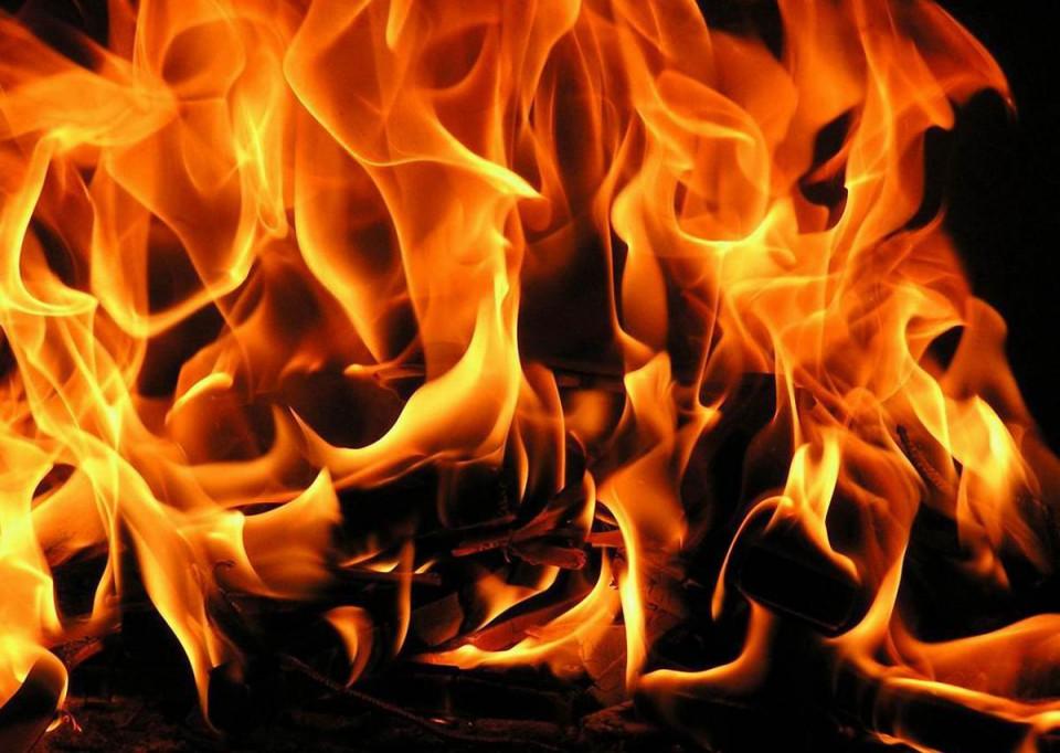 Сгорела сцена сельского парка в Амгинском улусе Якутии