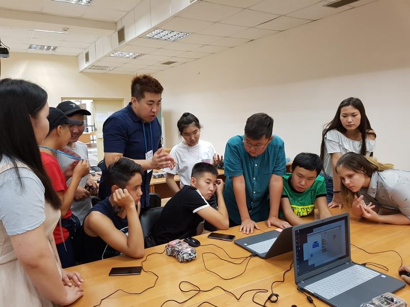 Школьники из Якутии и Южной Кореи прошли обучение в летней школе Малой компьютерной академии СВФУ