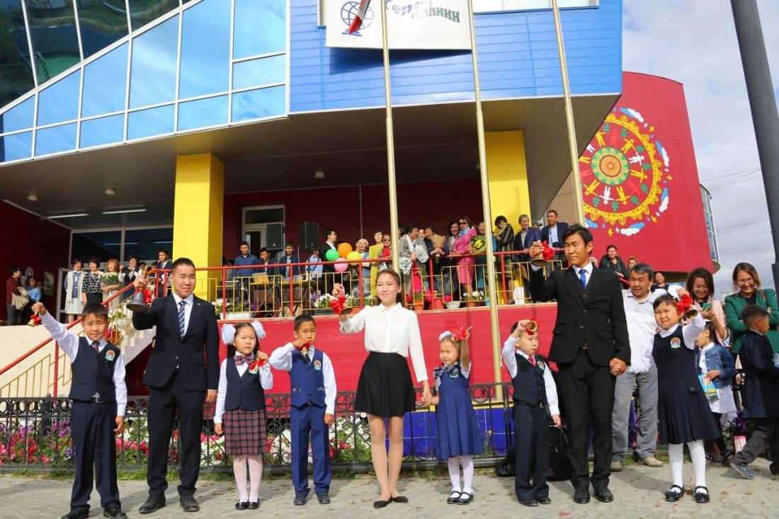 Власти республики не будут сбавлять темпов строительства школ в Якутске