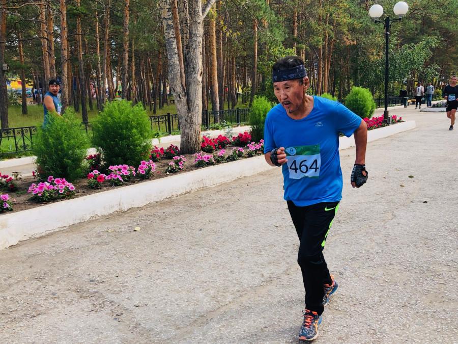 Более ста якутян приняли участие в  полумарафонском забеге