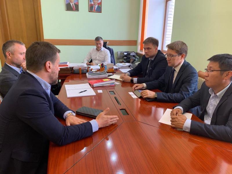 Кирилл Бычков встретился с потенциальными инвесторами лесопромышленного комплекса Якутии