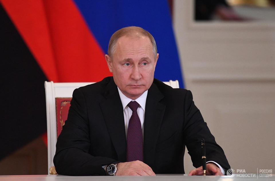 Владимир Путин потребовал сделать экономический рост в стране более устойчивым и динамичным