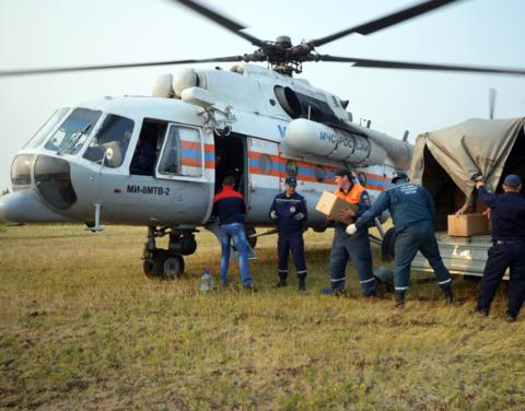 В Жиганский район для помощи в тушении пожаров завезены мотопомпы