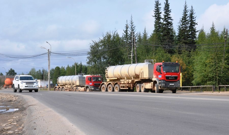 В Ленске отремонтировали дорогу до нефтебазы Саханефтегазсбыта