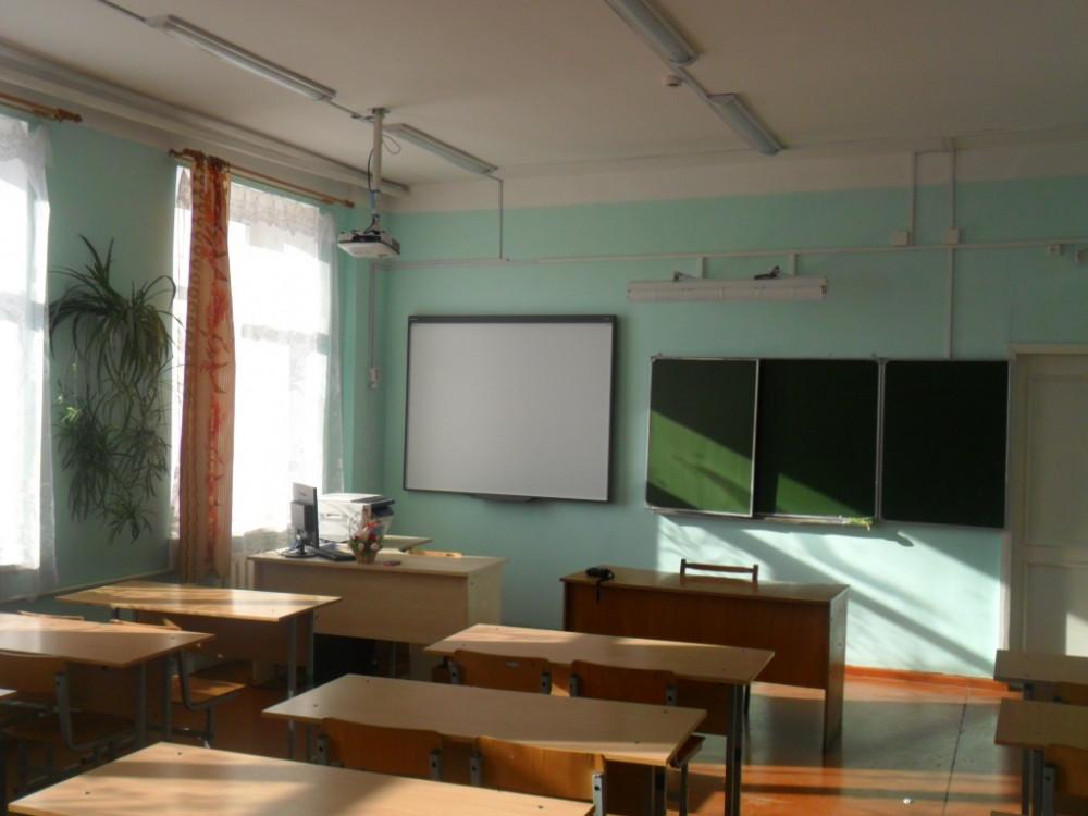 Школа №9 посёлка Чульман до декабря будет закрыта на ремонт