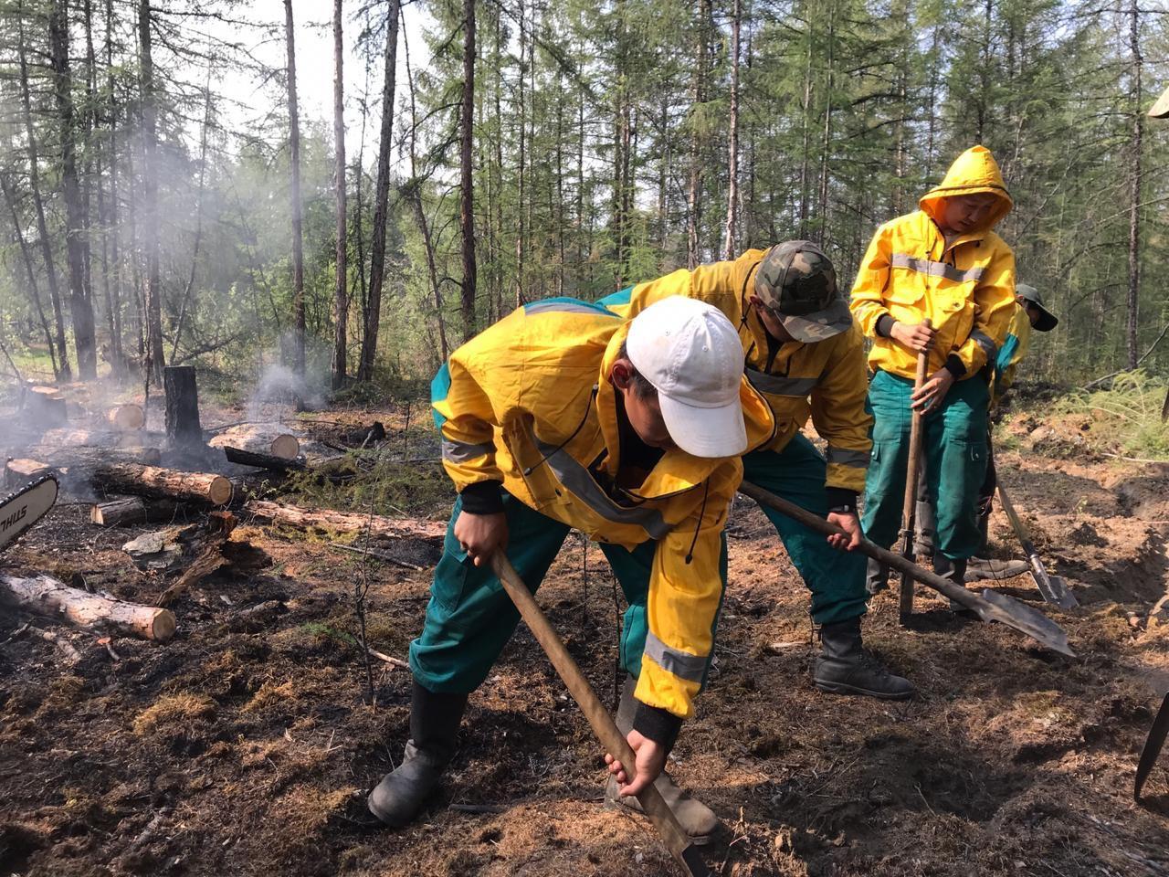 Денис Белозеров: Тушение лесных пожаров продолжается в четырех северных районах Якутии