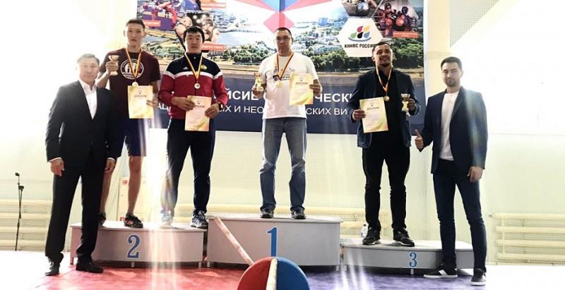 В соревнованиях по мас-рестлингу в Чувашии якутяне заняли лишь второе место