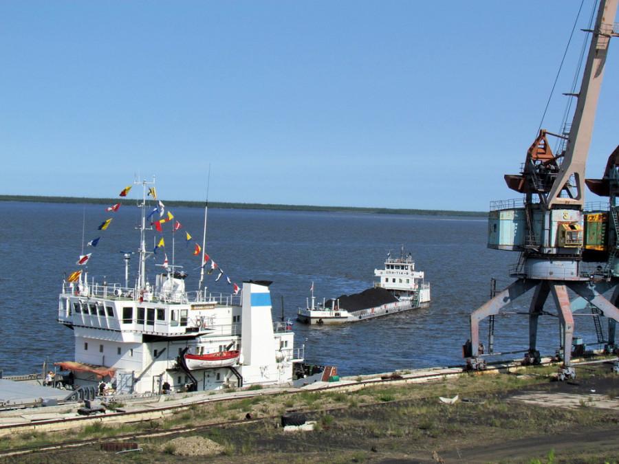 С начала навигации ЛОРП отправил 647 тысяч тонн грузов
