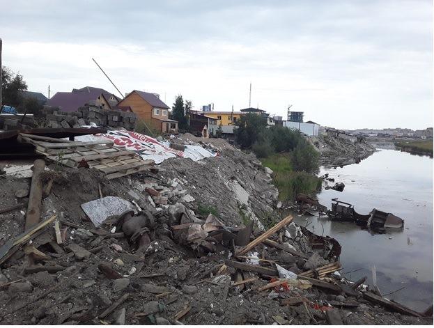 В Якутске выявили захламление водоохранной зоны реки Лены