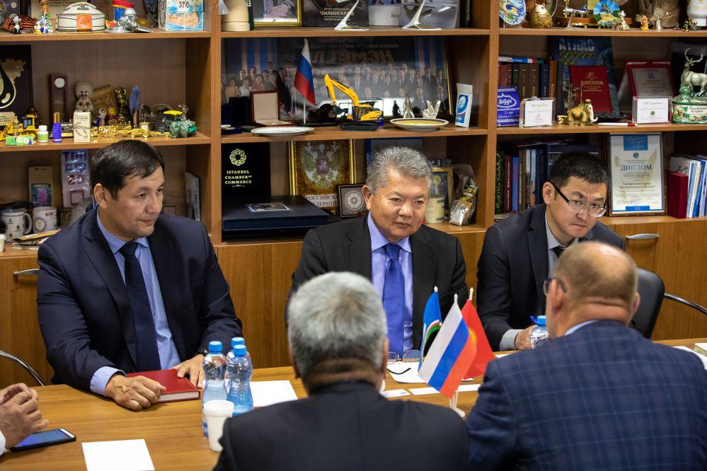 Посол Кыргызстана Аликбек Джекшенкулов заявил о заинтересованности в сотрудничестве с ТПП Якутии