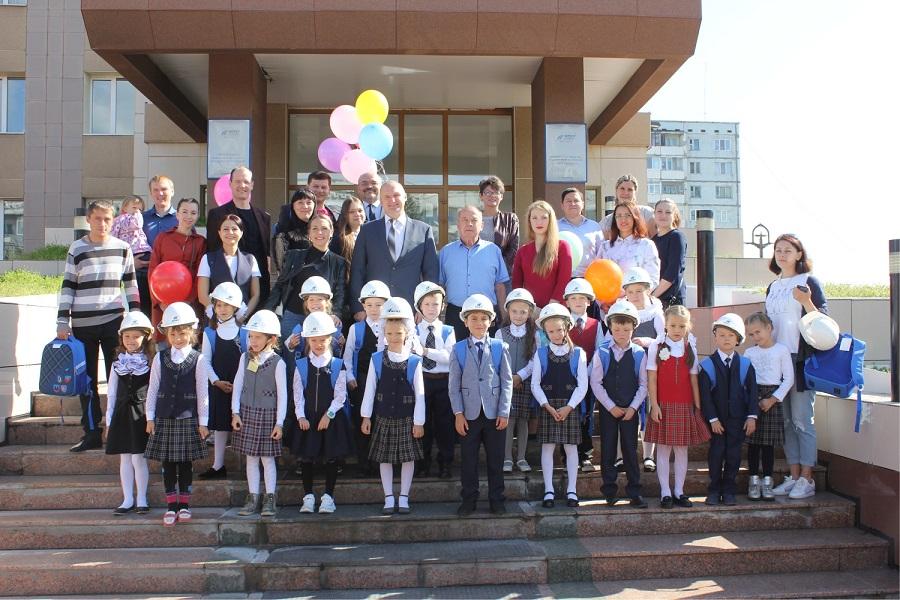 В Якутугле и Эльгаугле поздравили первоклассников с началом учебного года