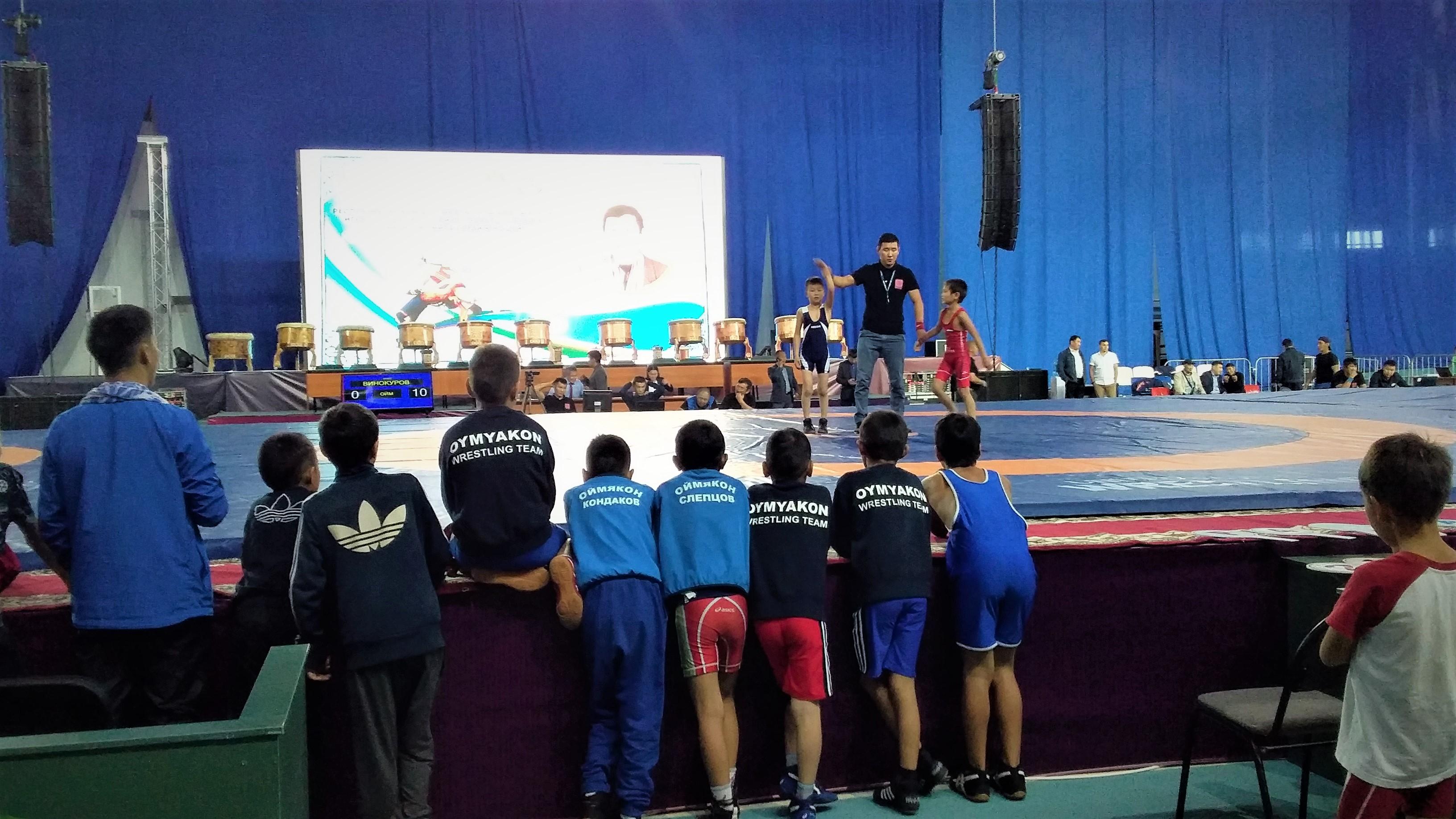 Новый рекорд - фестиваль «Игры боотуров» собрал тысячу юных борцов