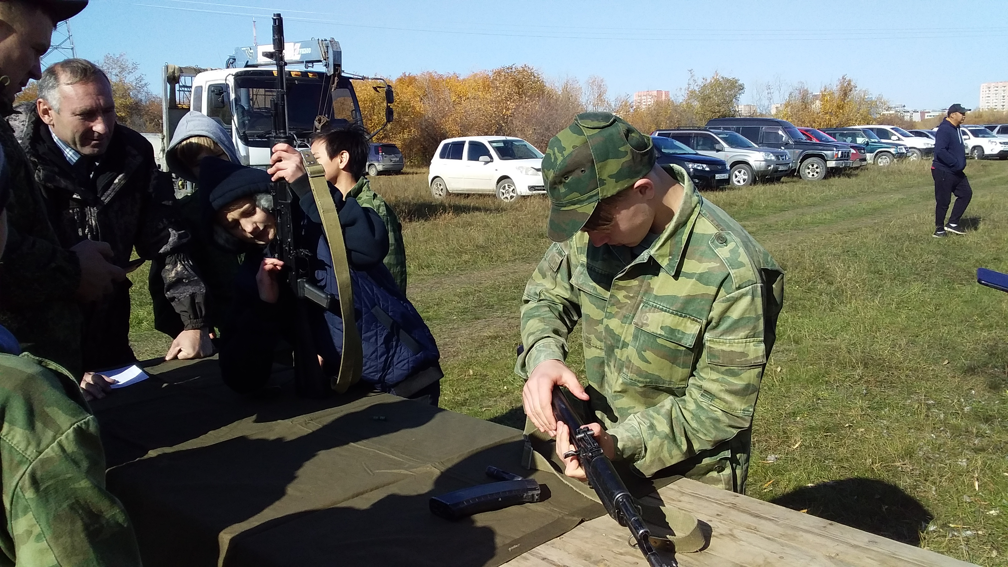 Уметь действовать при ЧС. В Якутске провели юношеский слет казачьего полка