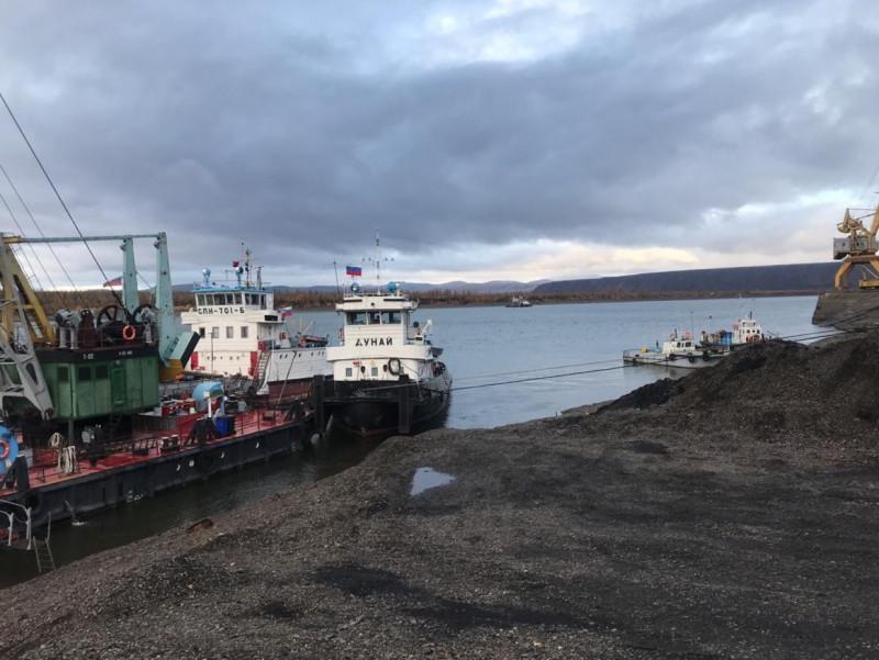 В Янскую группу улусов Якутии доставят необходимый объем жизнеобеспечивающих грузов