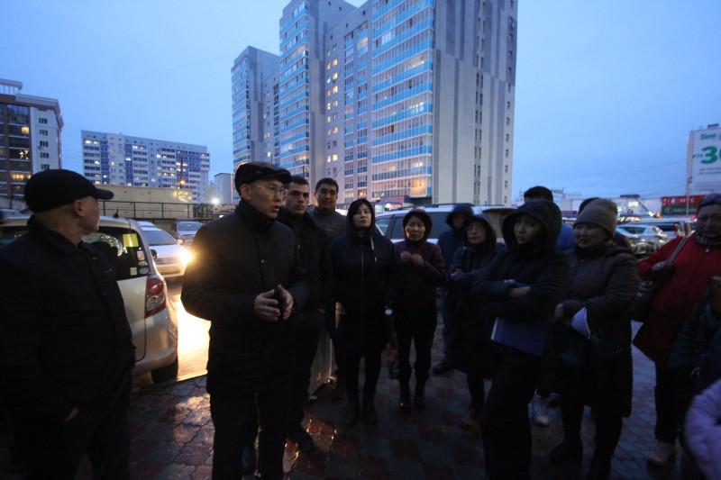 Врио главы Якутска обсудил с дольщиками проблемы ввода в эксплуатацию дома по ул. Короленко, 25