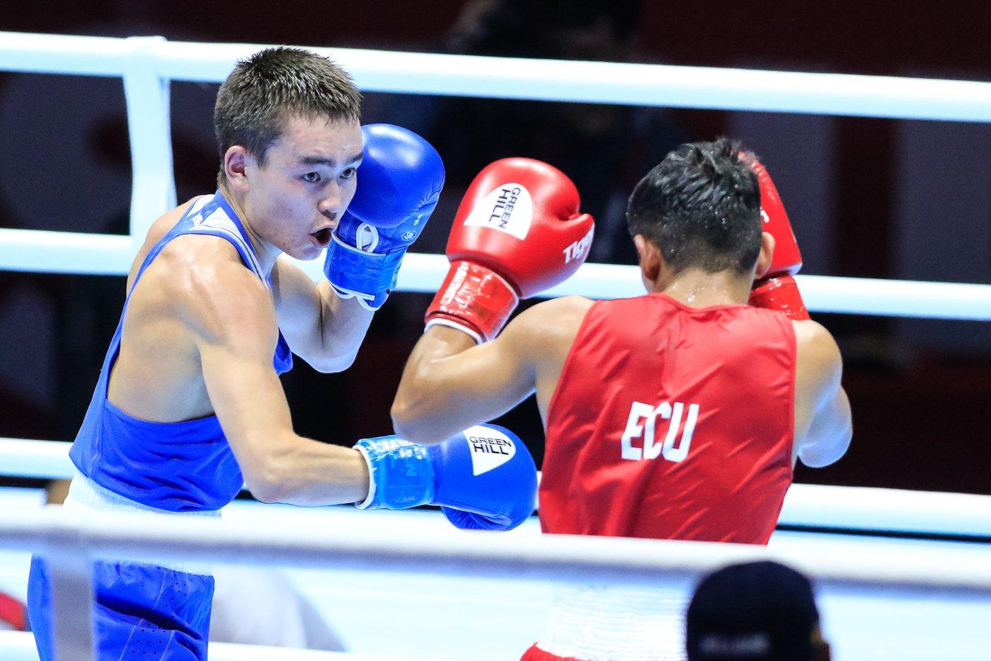 Василий Егоров потерпел поражение в 1/8 финала чемпионата мира по боксу