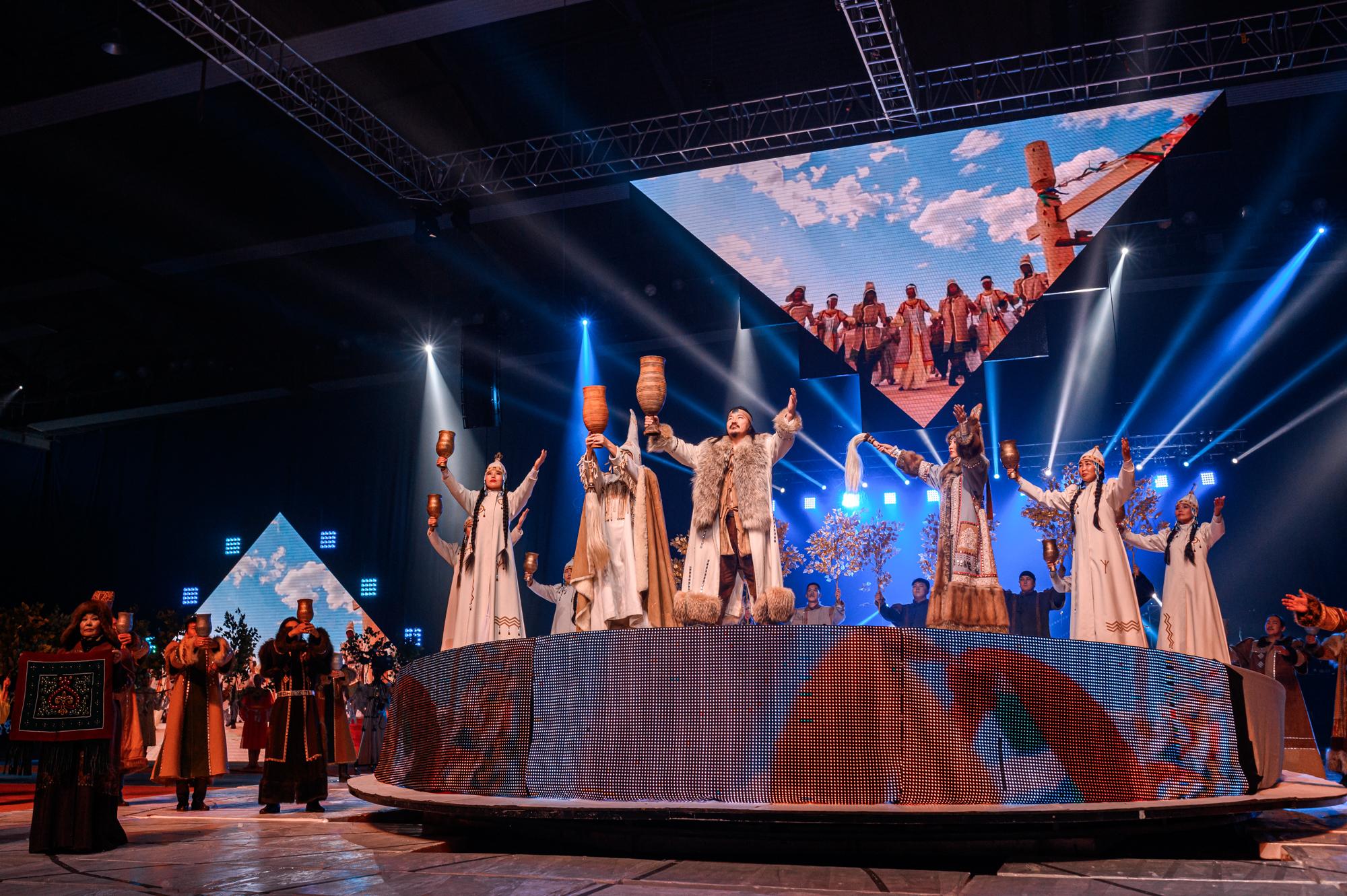 В День государственности Якутии засиял «Свет над Арктикой»