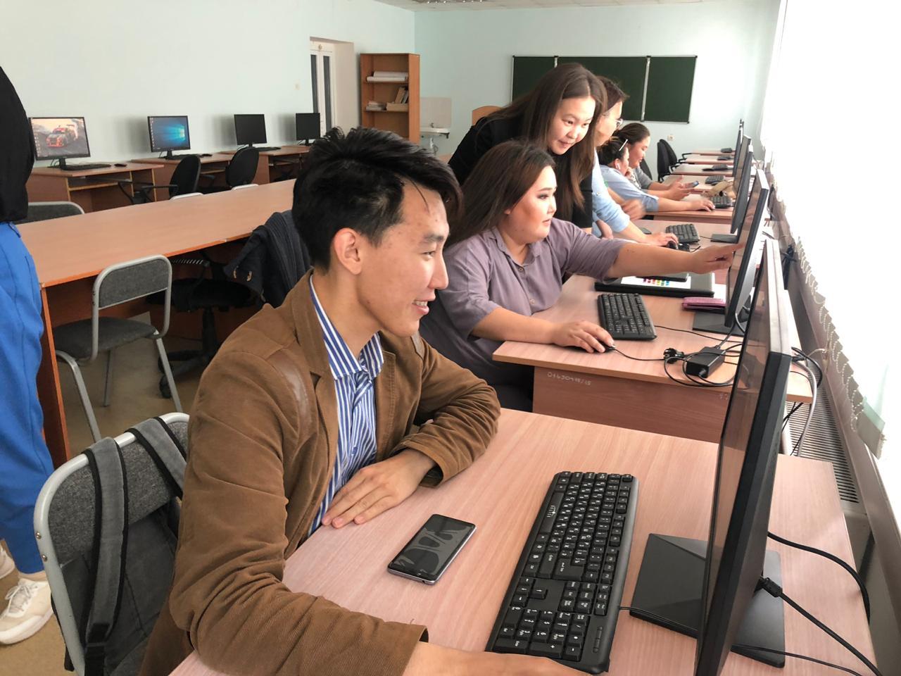 Молодежи помогли подготовить проекты для участия во всероссийском конкурсе