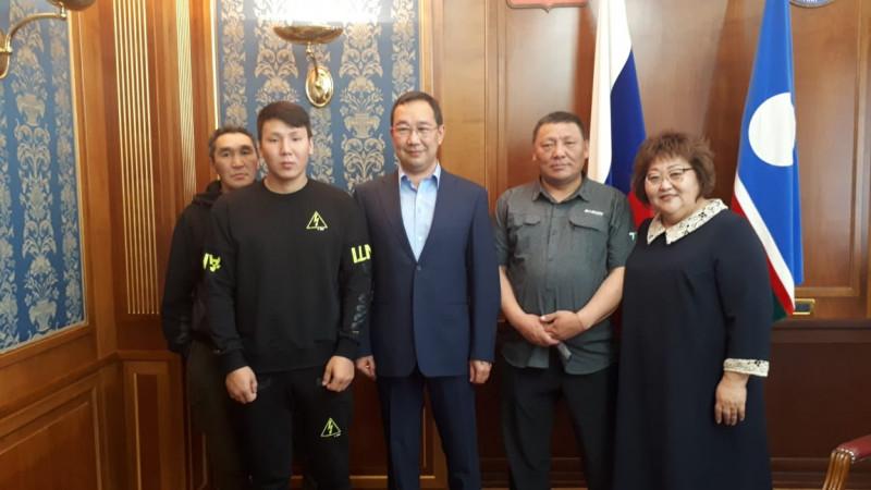 Глава Якутии встретился с оленеводами Усть-Янского района, задержанными пограничниками