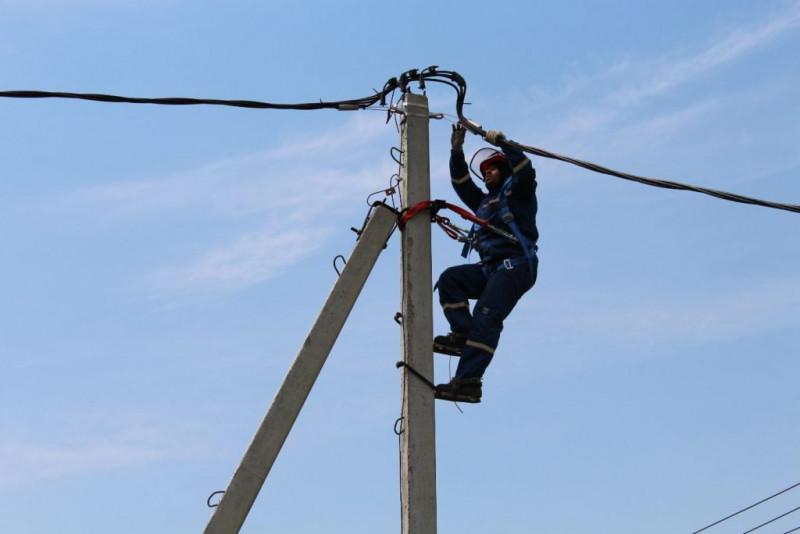 Сунтарские энергетики восстановили электроснабжение ряда населенных пунктов района