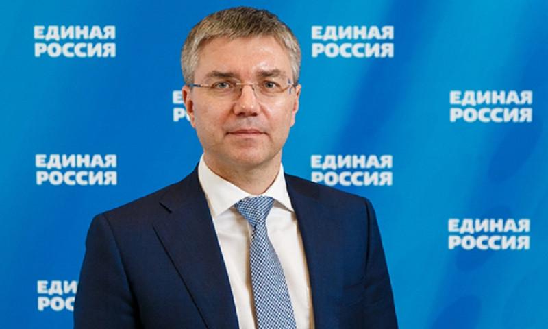 Единороссов призвали быть скромными. Комиссия по этике указала на устав партии