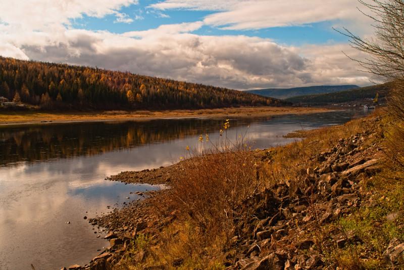 На реке Лене продолжается незначительный подъем уровня воды